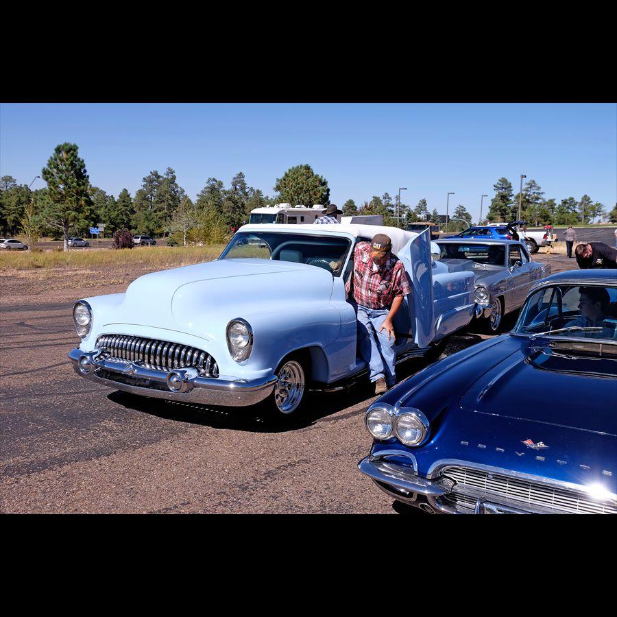 0010 Early 50s Buick Custom
